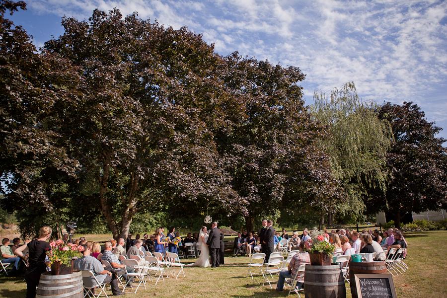 wedding ceremony rogue farm oregon