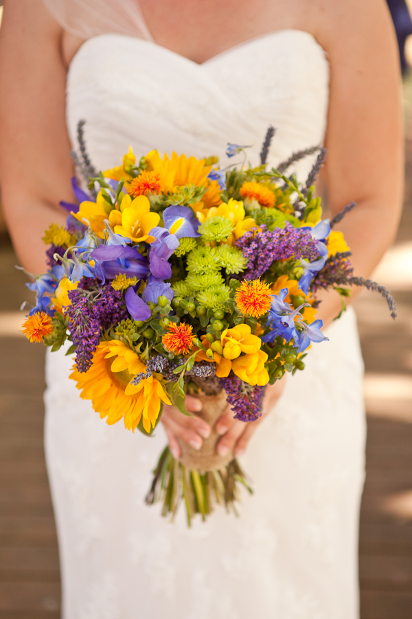 wildflower wedding bouquet oregon wedding