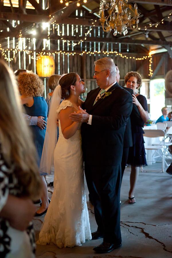 rustic chic barn wedding oregon
