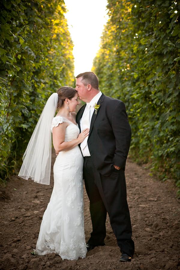 rogue hop farm wedding photos