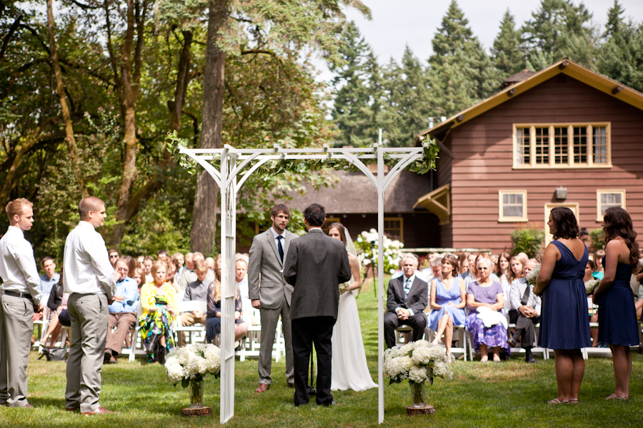 jenkins estate outdoor wedding ceremony beaverton