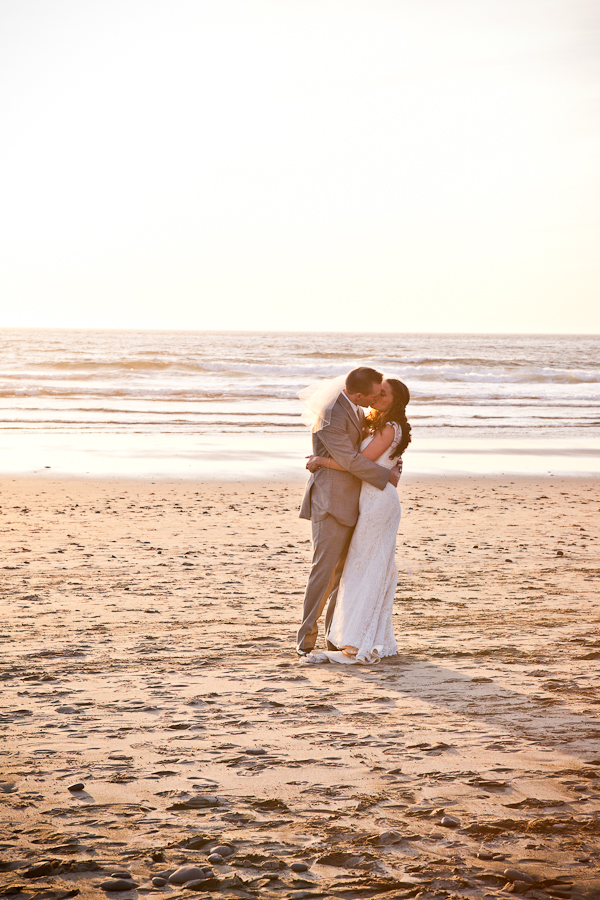 sunset oregon beach wedding