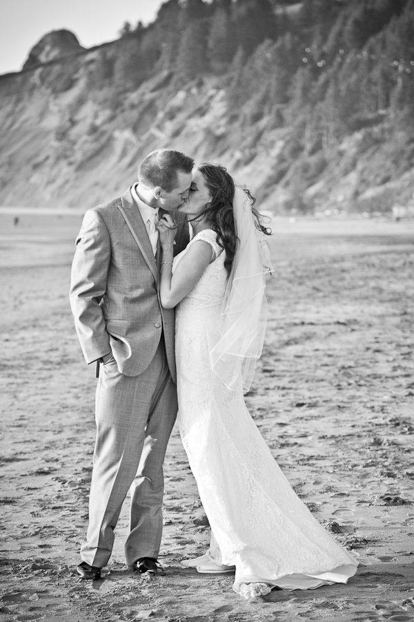lincoln city oregon beach wedding portrait
