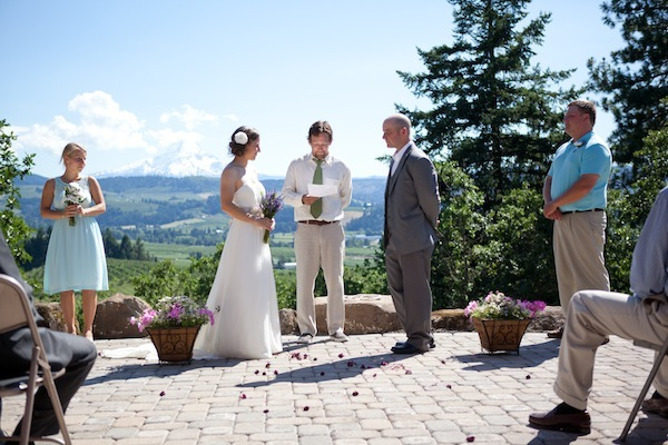 wedding ceremony view of mt hood