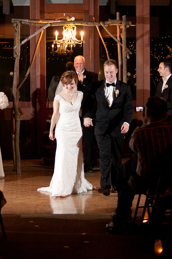 wedding ceremony  lodge at mountain park