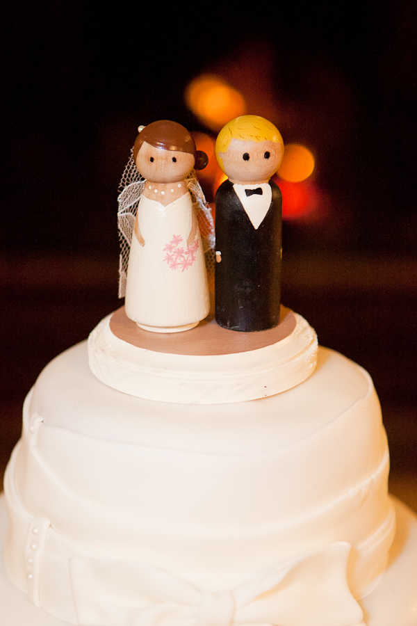 wooden cake topper oregon wedding