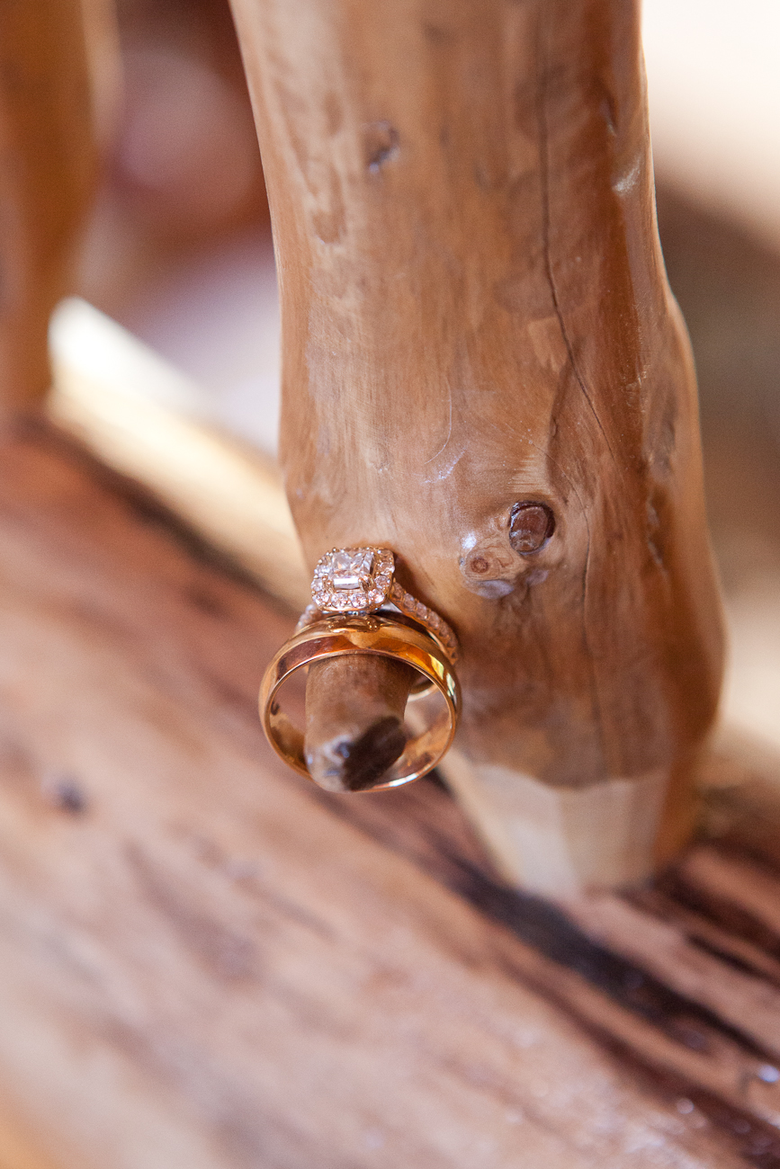 wedding rings in lodge