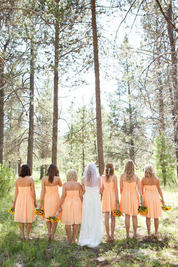bridal-party-photos-in-the-woods