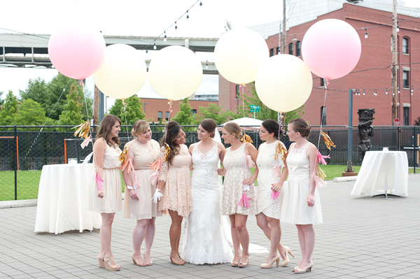 bridal-party-portland-giant-balloons