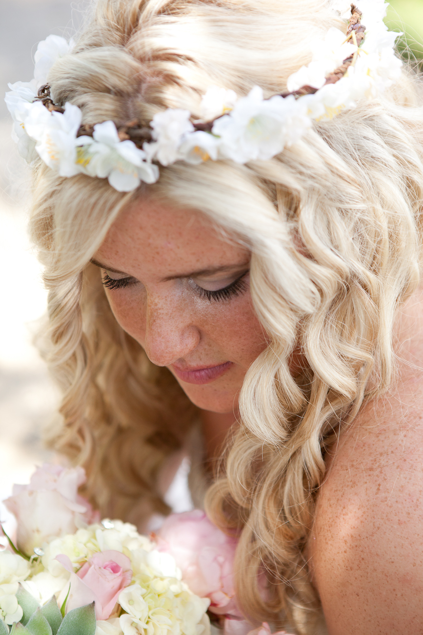 bridal_hair_flowers_halo
