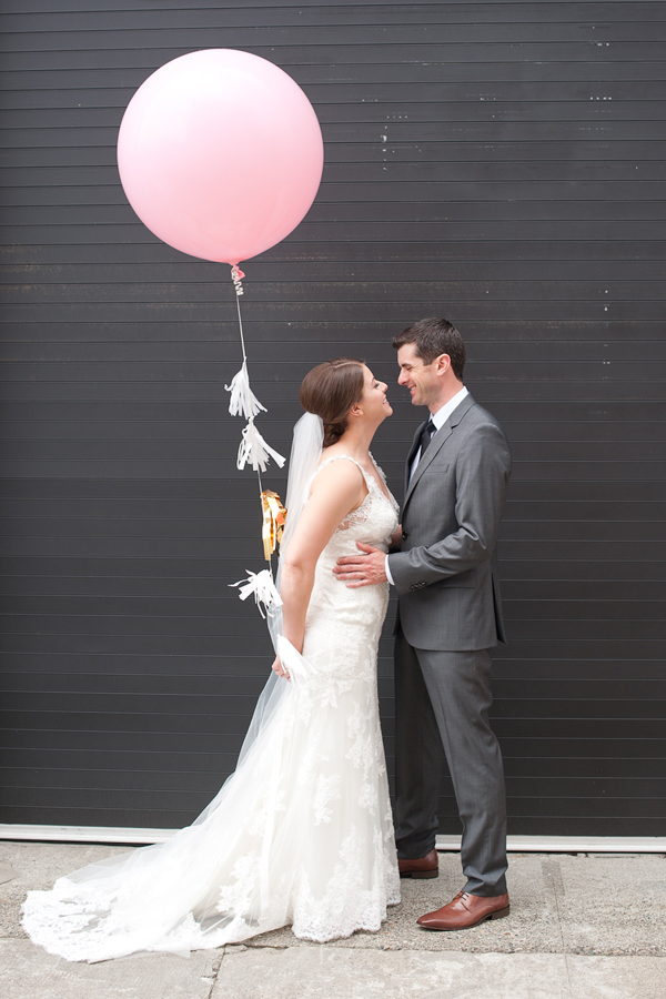 giant-balloon-wedding-portraits-portland