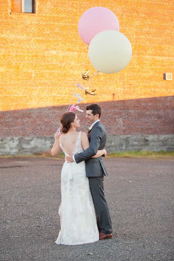 giant-balloons-for-wedding-portland