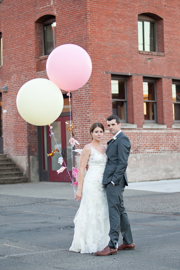 giant-balloons-wedding-portrait-portland