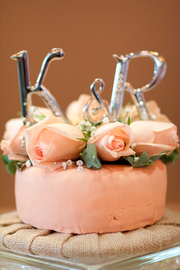 peach-silver-wedding-cake