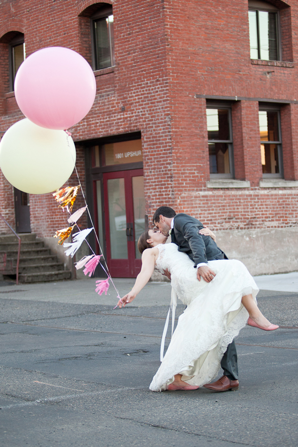 portland-pearl-district-balloon-wedding-portrait