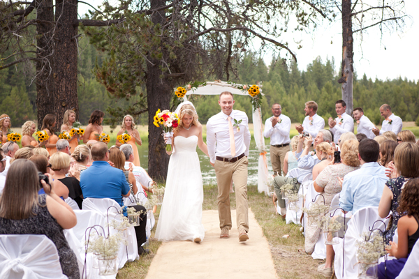 wedding-ceremony-deschutes-river-oregon