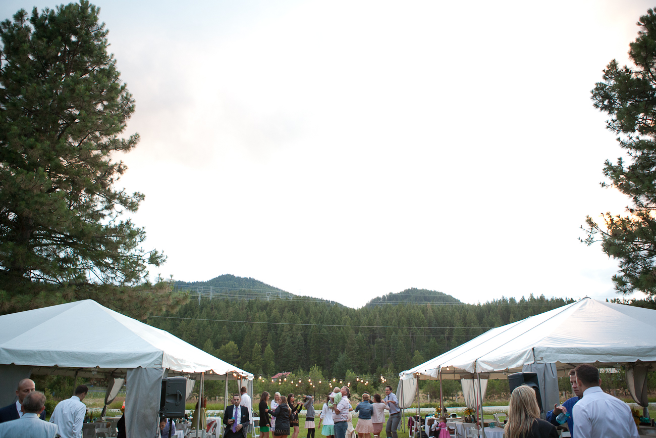 wedding outdoor leavenworth washington
