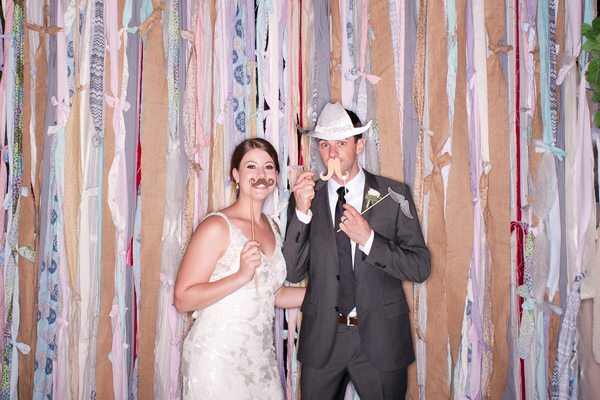 wedding-photobooth-fabric-strips-background