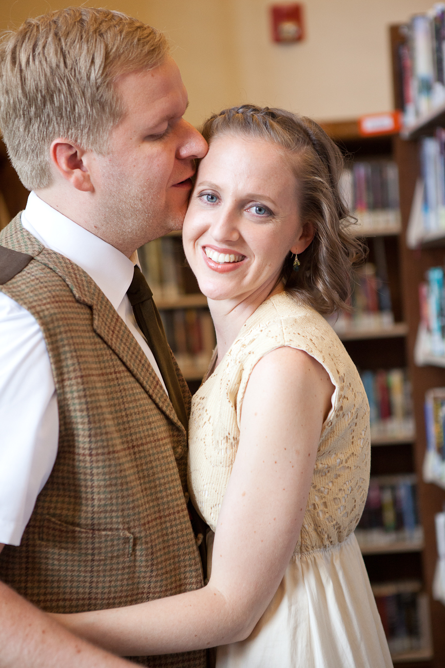 wedding_pictures_portland_library_killingsworth