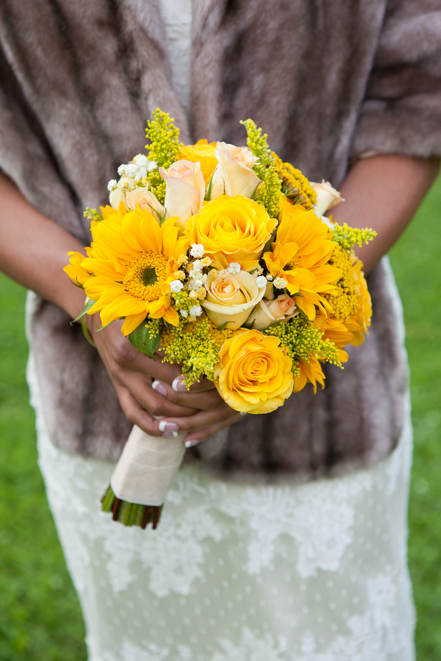 yellow roses and sunflower bouquet bride