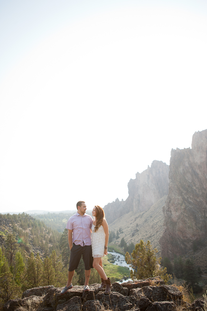 engagement_photos_at_smith_rock_oregon