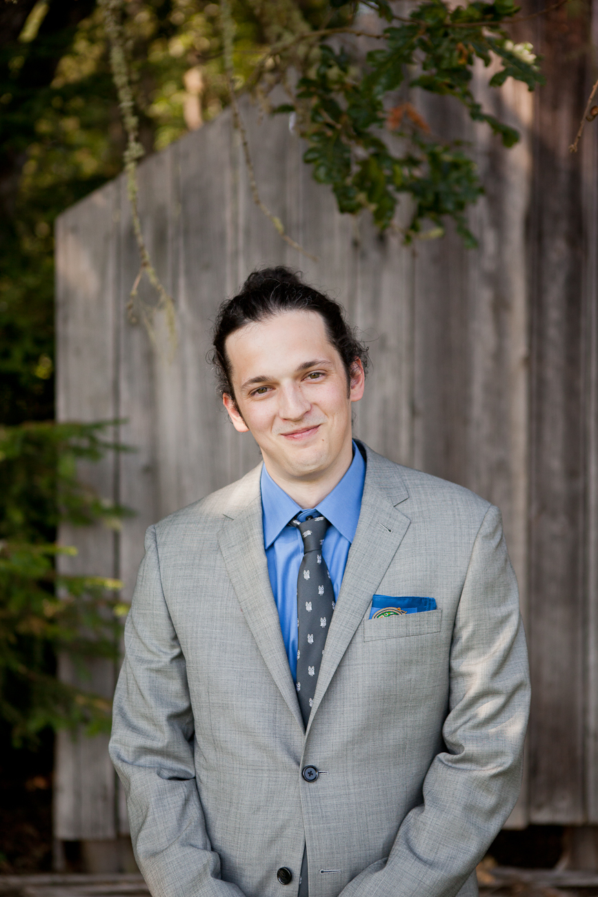 groom_grey_suit_blue_shirt_wedding