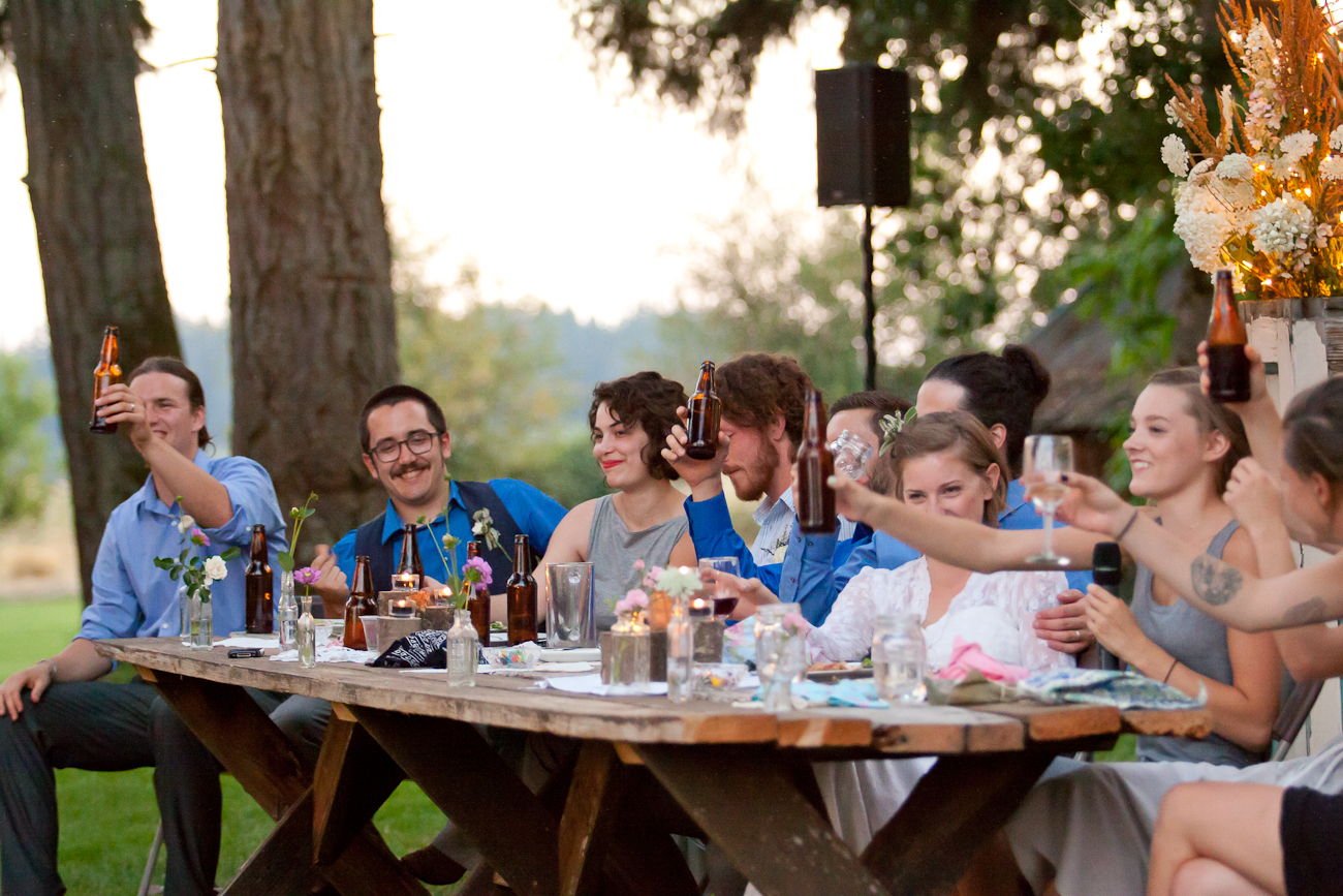 head_table_rustic_outdoor_wedding_toasts