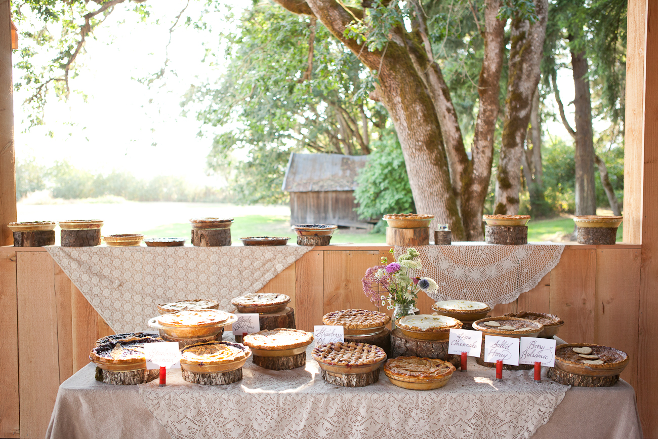 incredible_wedding_dessert_table_pies