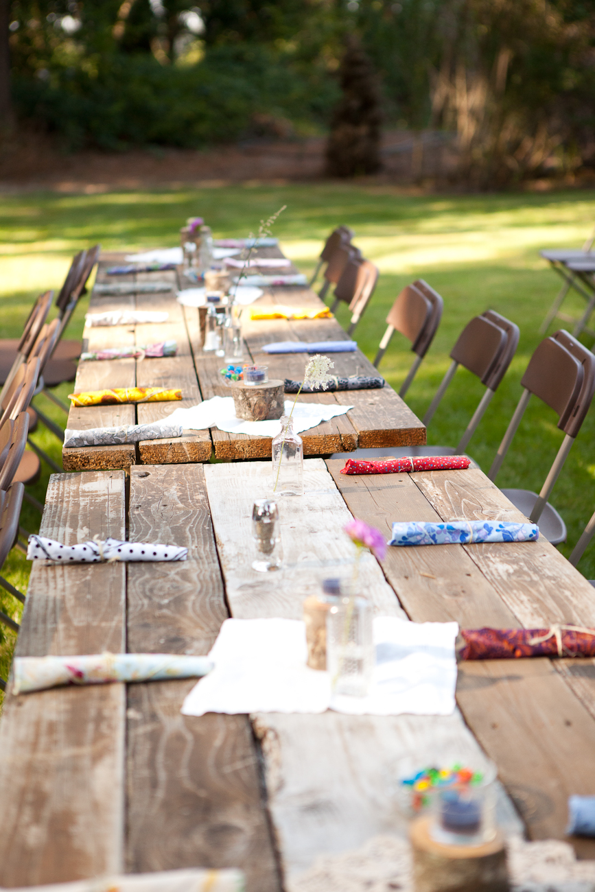 mixed_linens_colorful_napkins_wedding_rustic