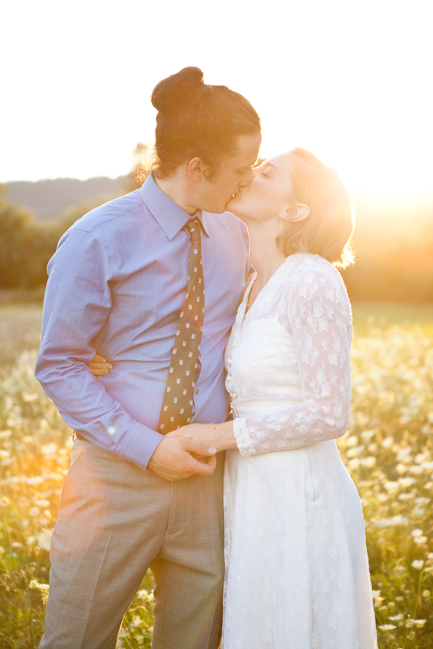 oregon_wedding_portrait_sunset_field