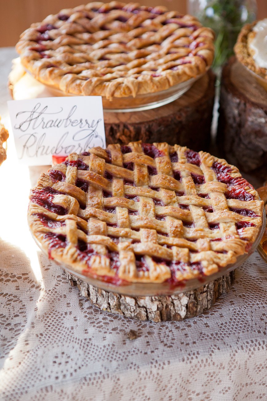 strawberry_rhubarb_wedding_pie
