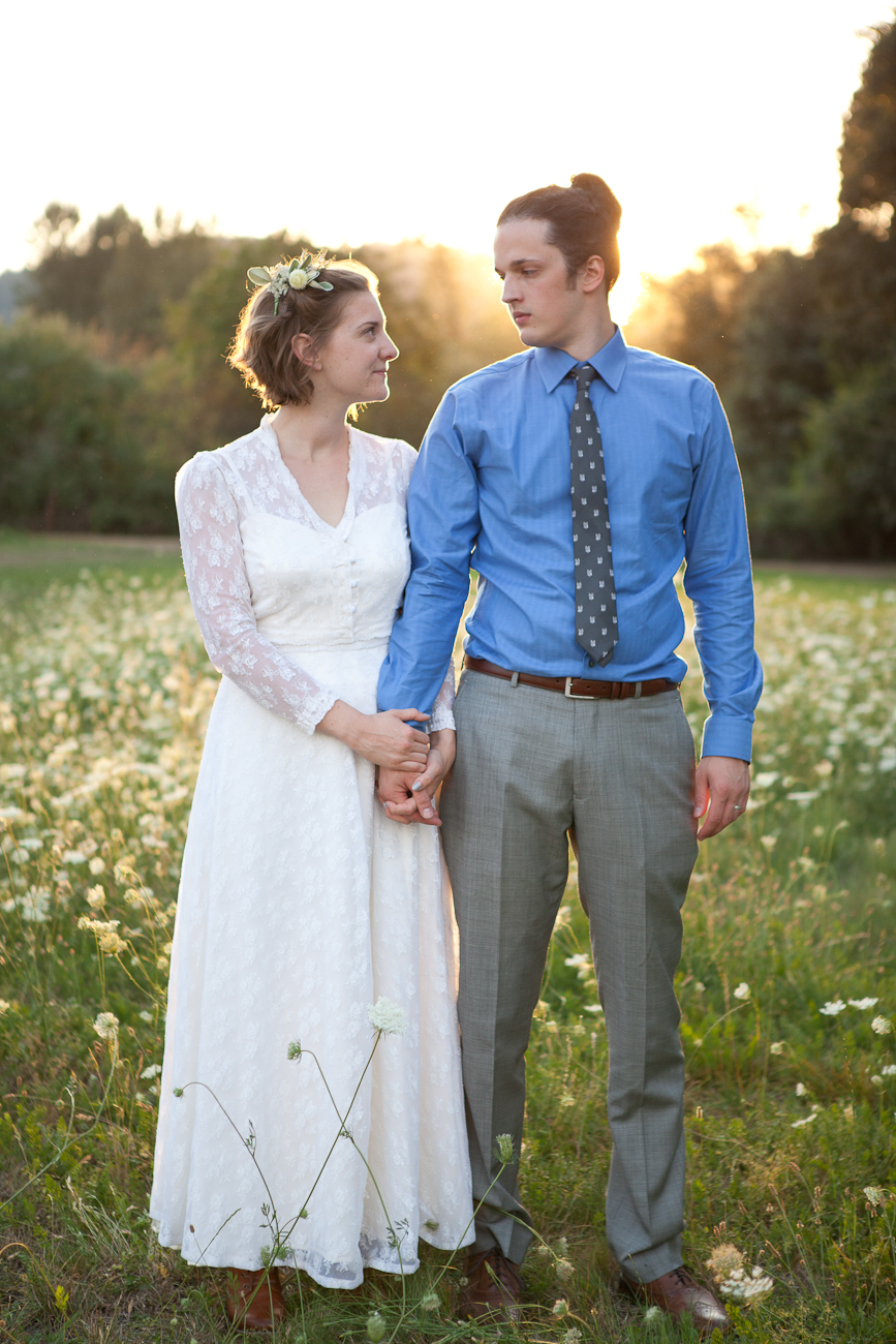 wedding_portraits_flowery_field