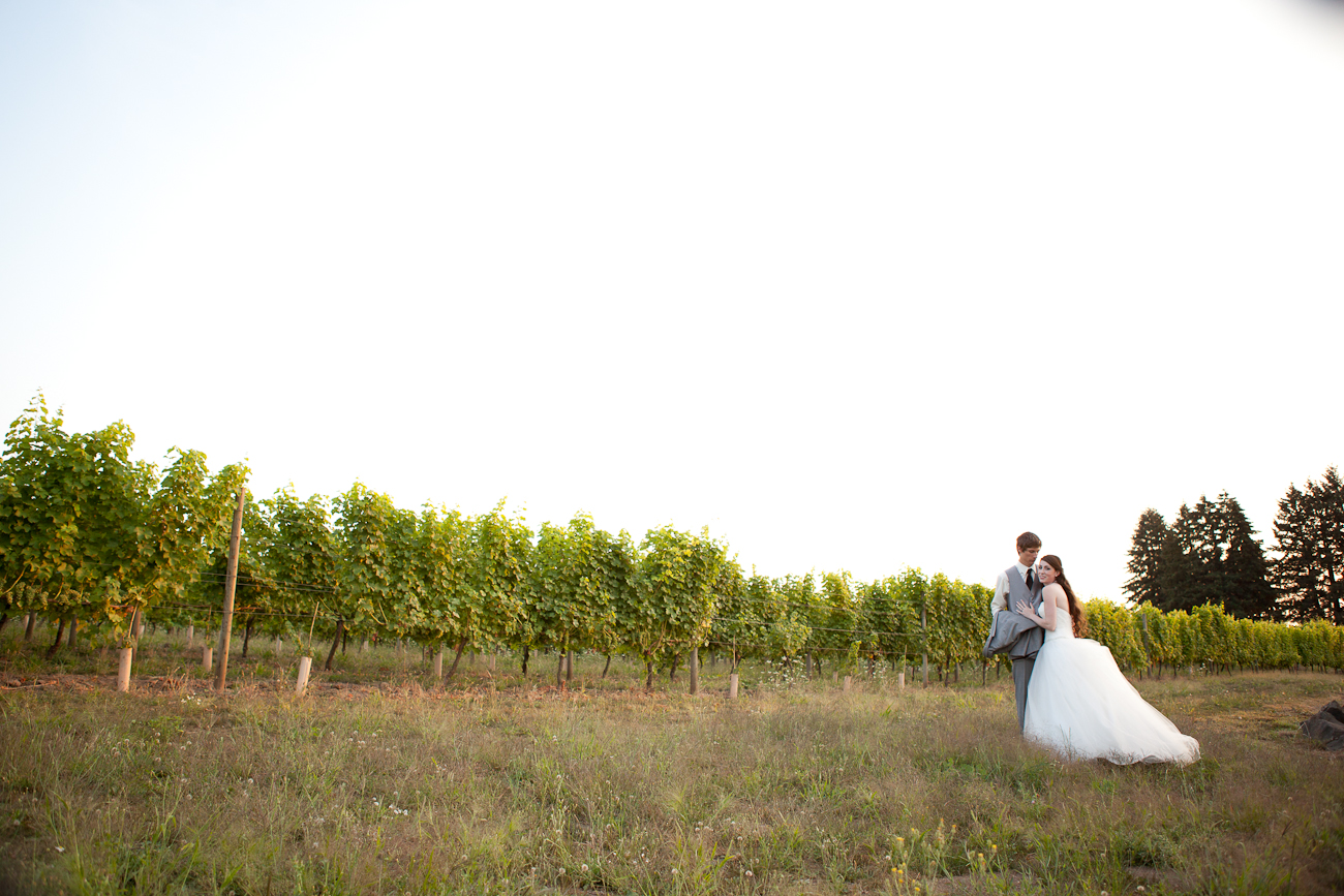 aurora_colony_vineyards_wedding_photographer