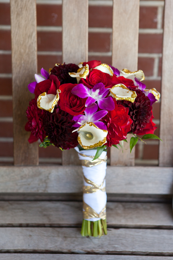 bouquet-red-purple-white-gold