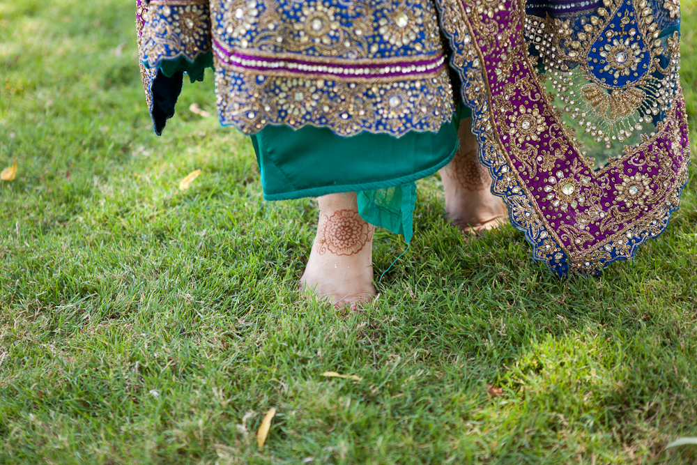 bride-henna-feet-teal-sari-skirt