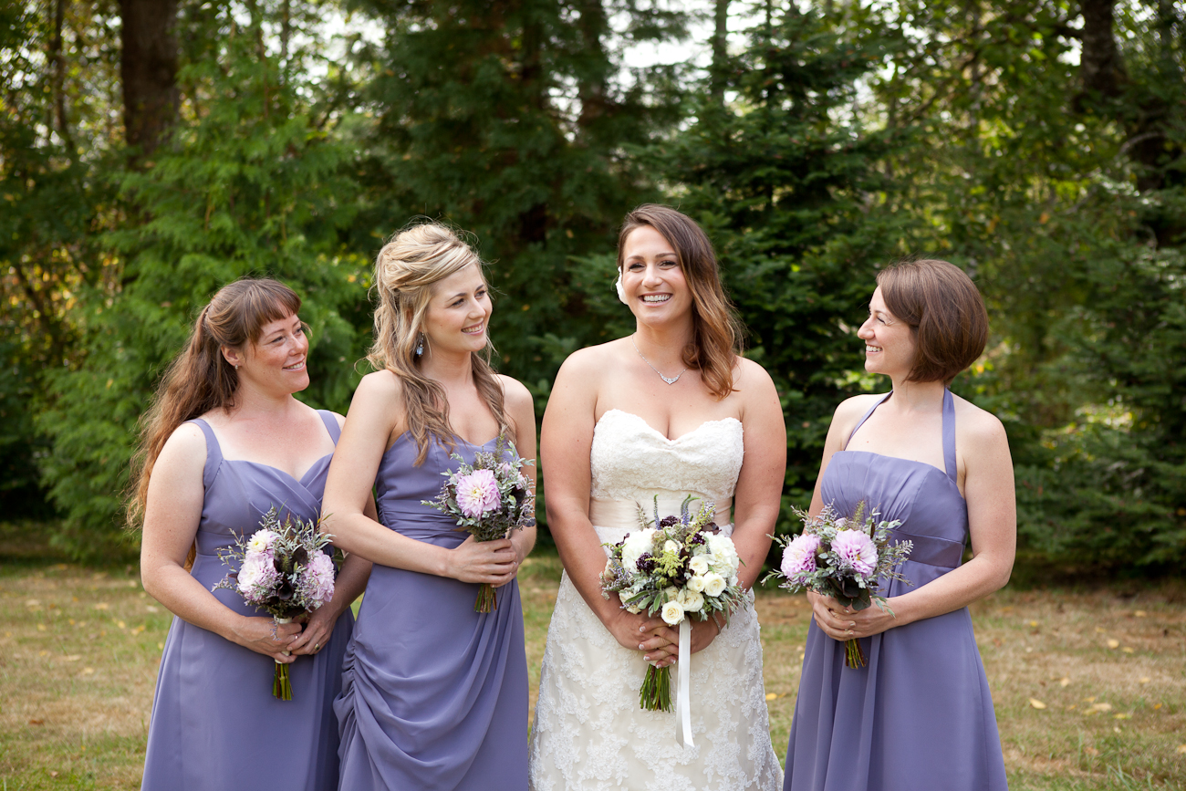 bridesmaids-lavendar-dresses-oregon