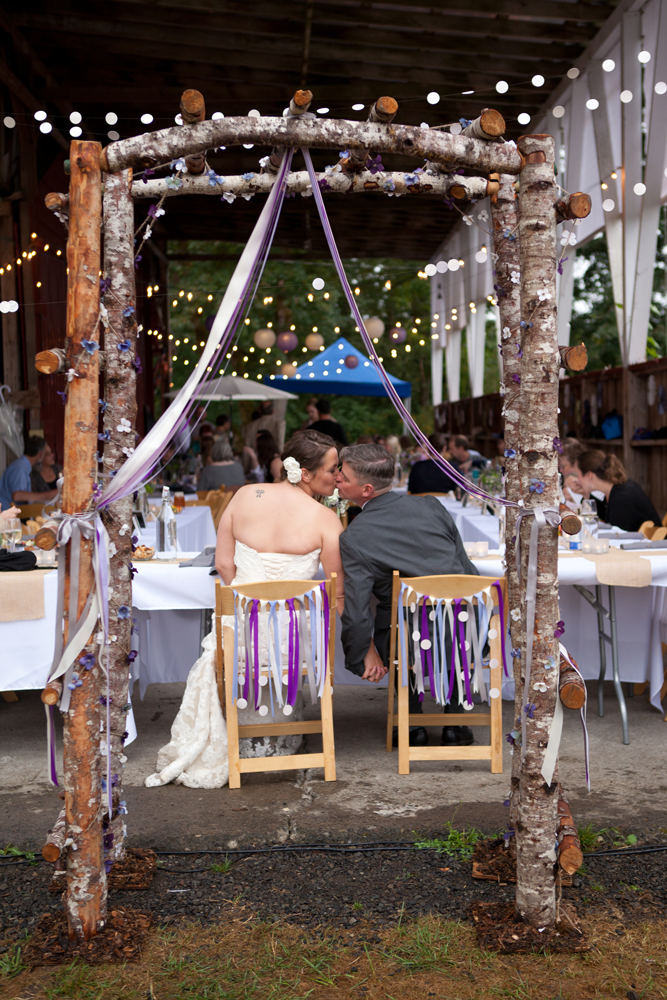 covered-outdoor-wedding-reception-near-portland-rain
