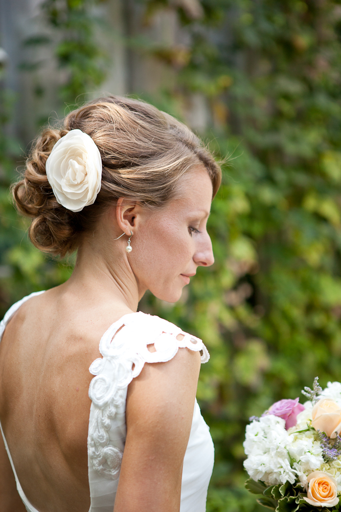 fabric_flower_for_wedding_hairstyle