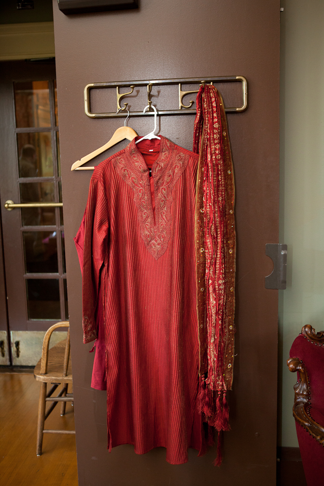 groom-traditional-indian-outfit-red