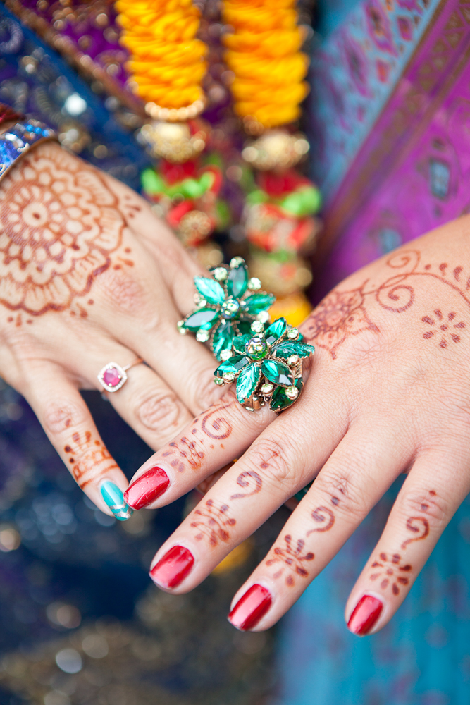 henna-hands-for-bridesmaids
