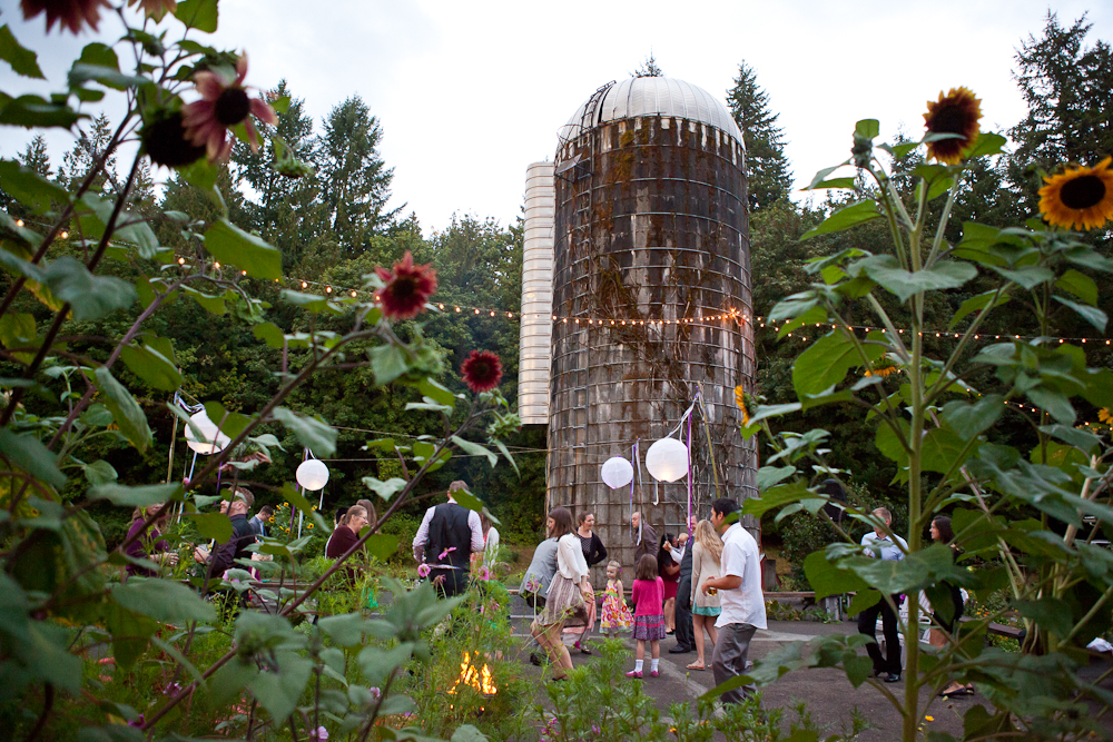 old-silo-wedding-outdoor-oregon