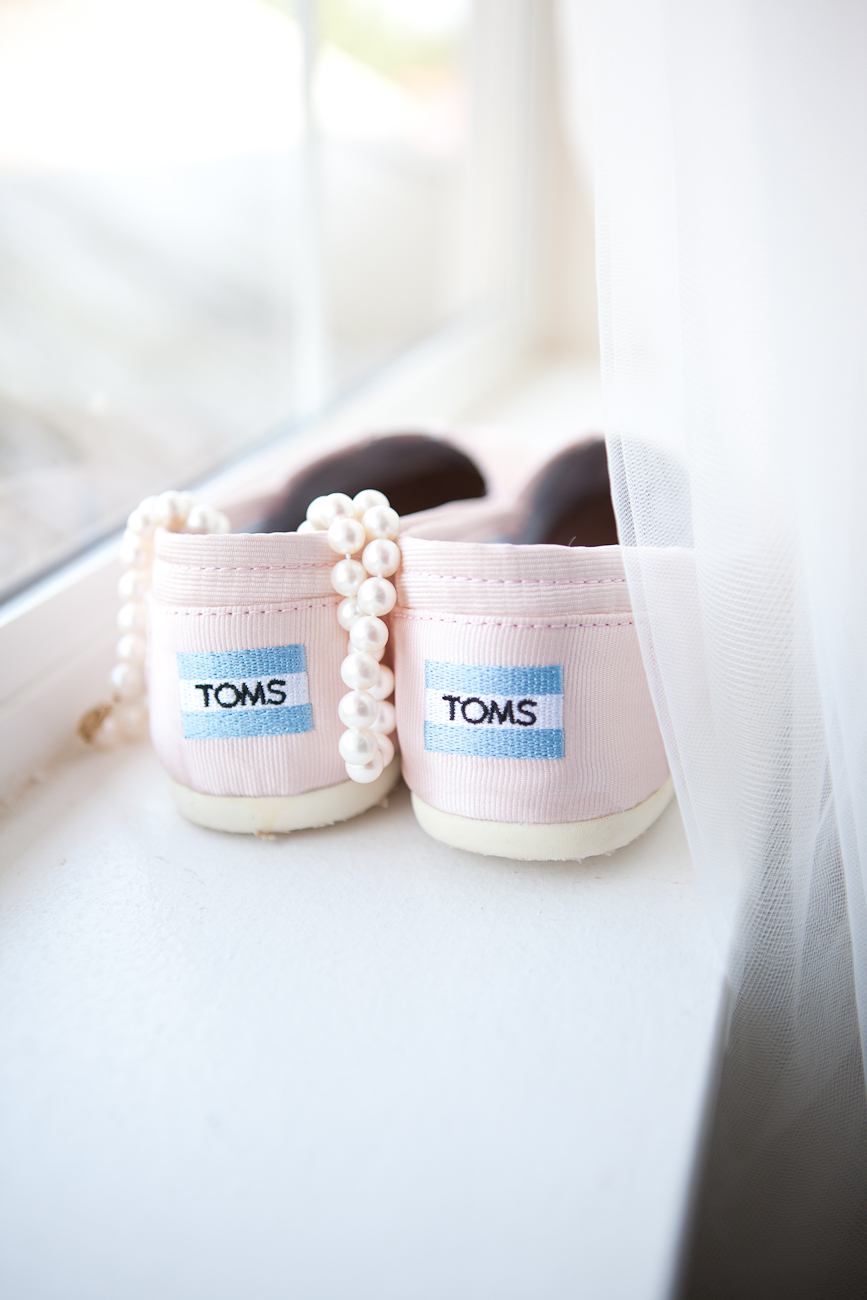 pink_toms_windowsill