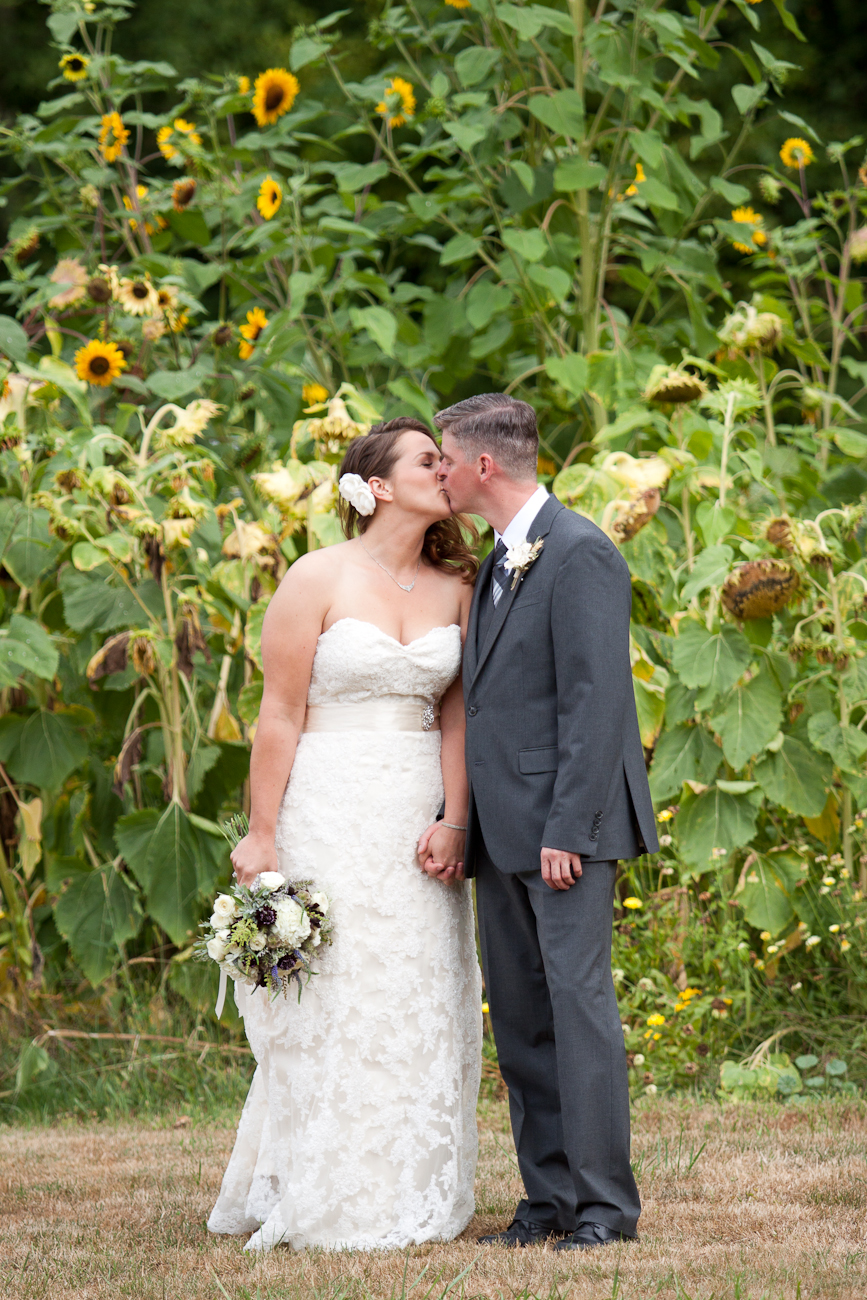 sunflower-bride-groom-portraits-oregon
