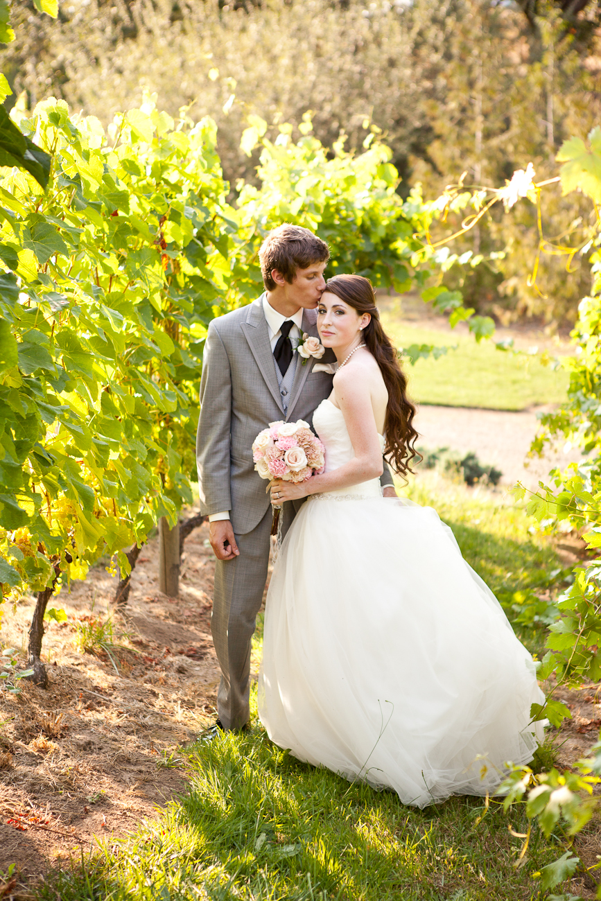 vineyard_wedding_portraits_oregon