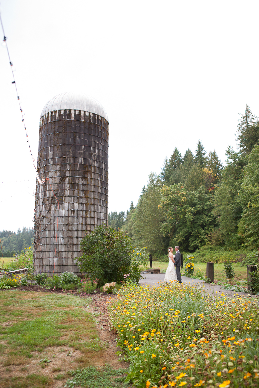 wedding-photos-near-old-silo-oregon