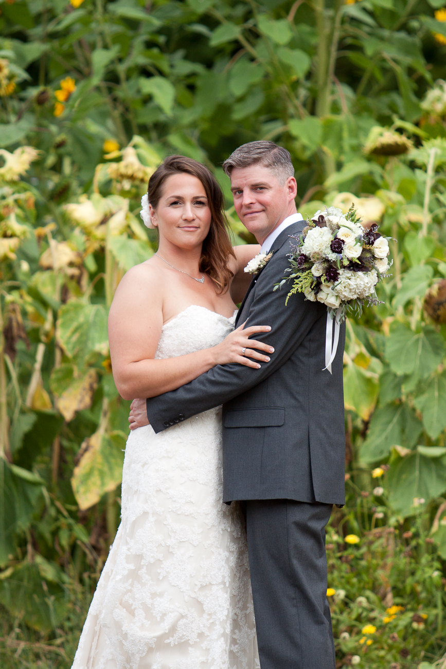 wedding-pictures-near-sunflowers-oregon