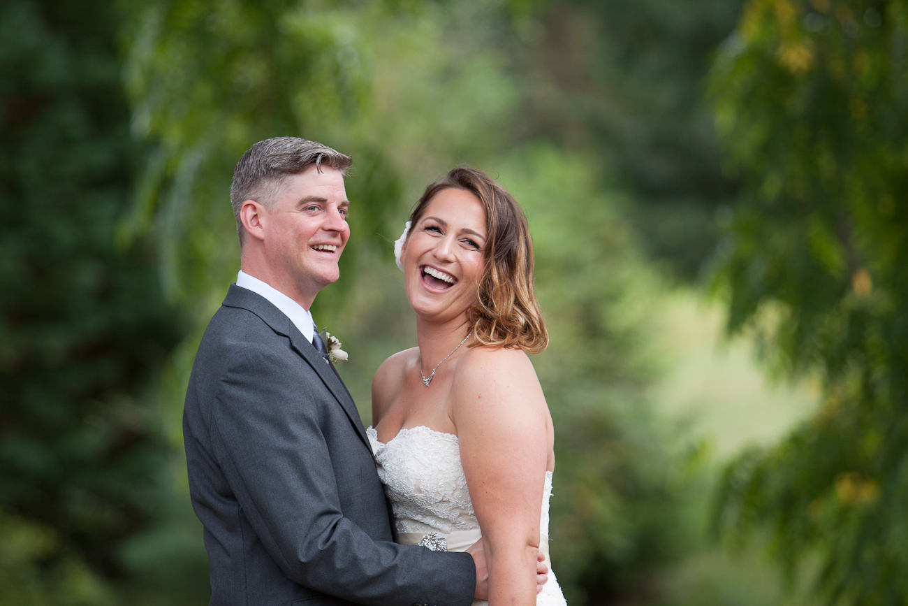 wedding-pictures-portland-clackamas-river-farms