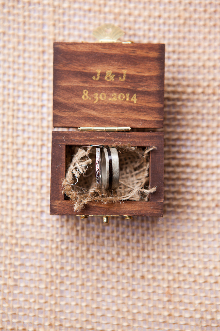 wooden-box-for-wedding-rings