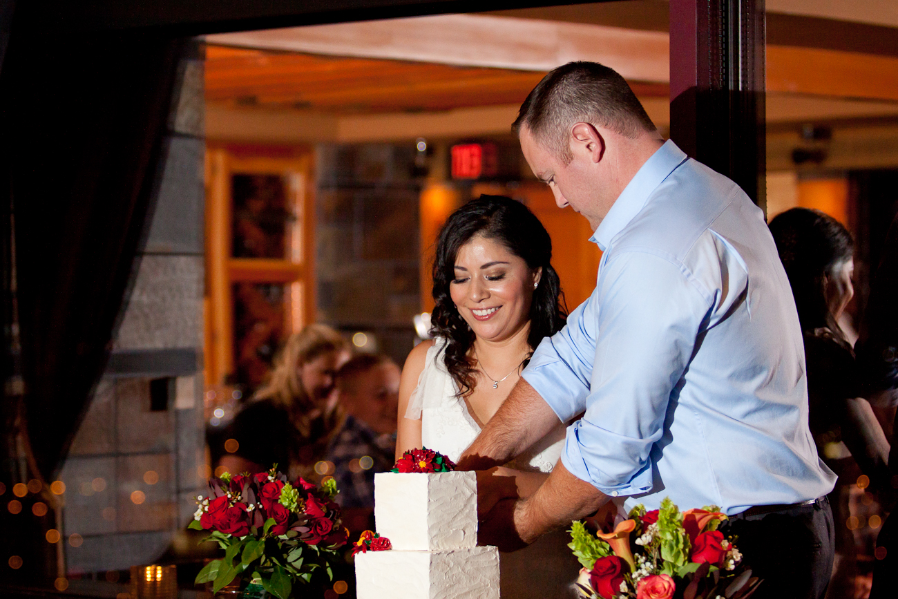 cake_cutting_wedding_portland_city_grill