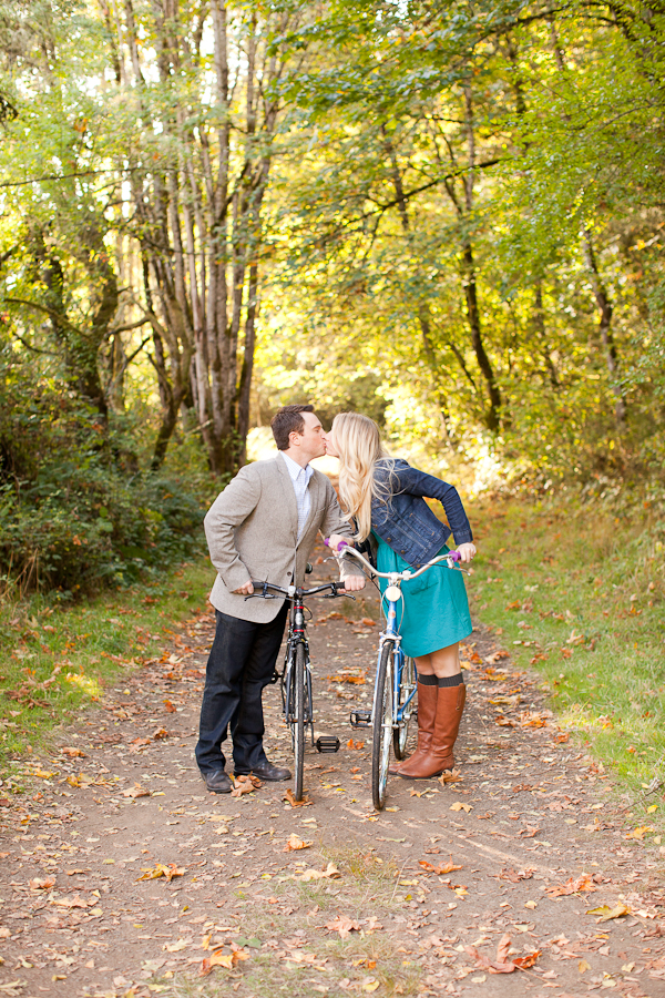 engagement photos bikes portland